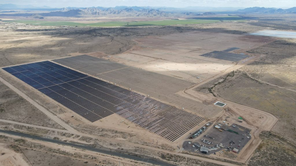 The Sunstreams 2 project, which is operational, in Arizona. Image: Longroad Energy.