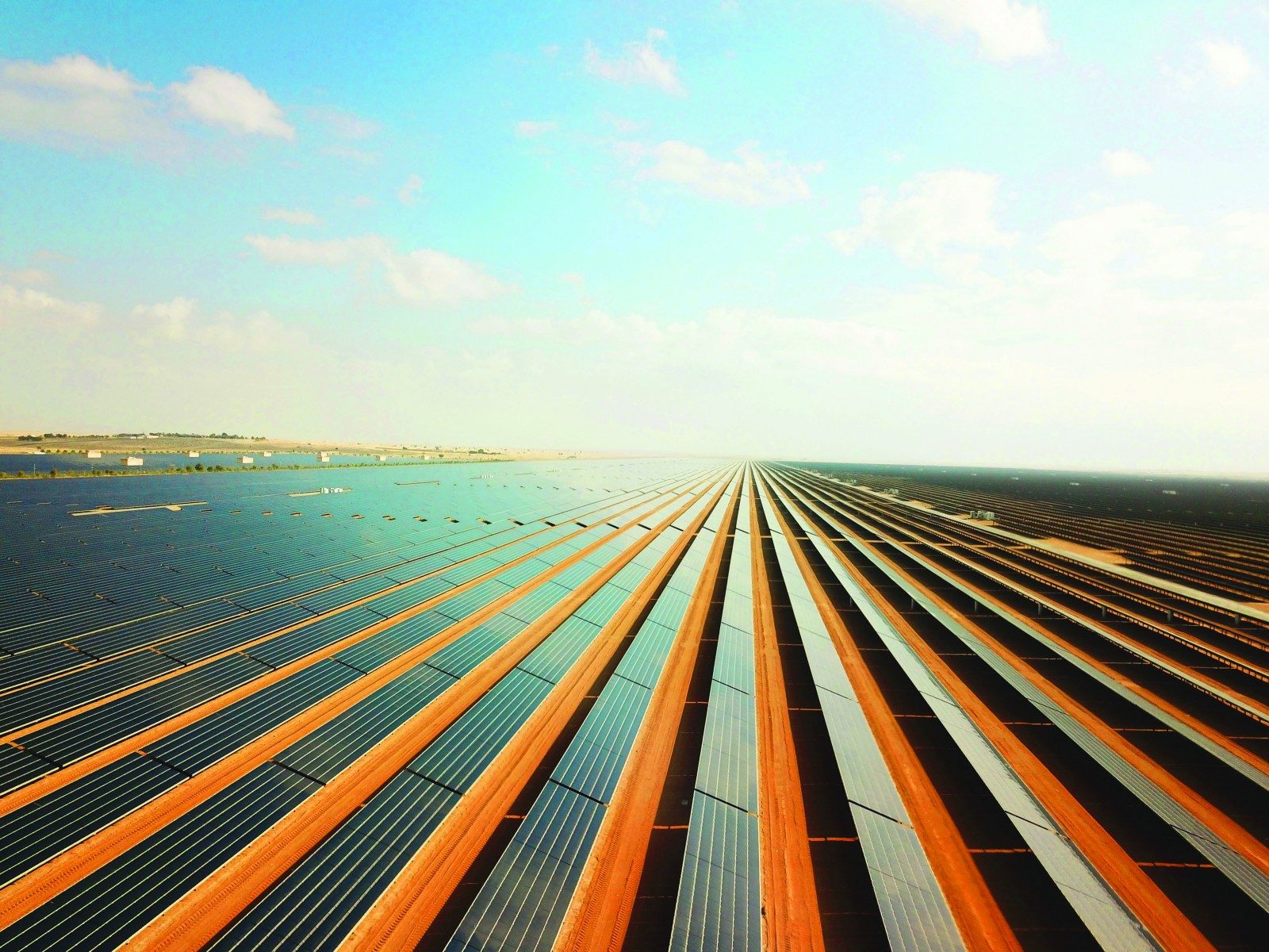 ACWA Power signs final agreements for 200MW PV project in Egypt